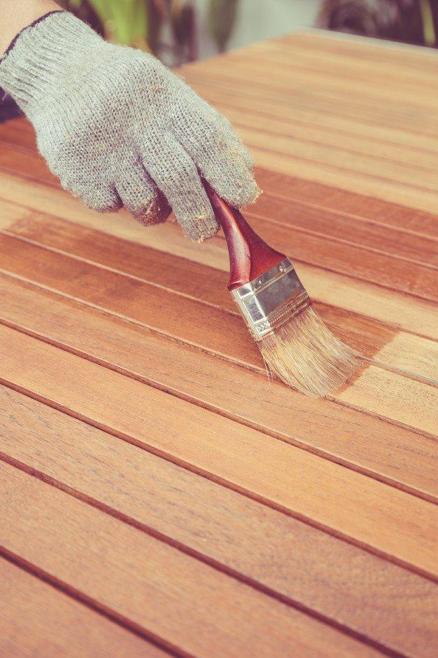 barnizar madera exterior