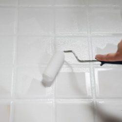 Pintar azulejos del baño